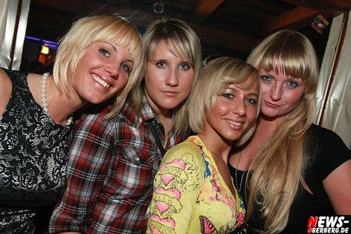 ntoi_handballer_341_party_b1_05_500_5.jpg
