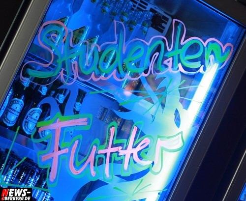 ntoi_b1_studentenfutter_party_05.jpg