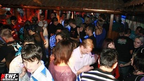 ntoi_b1_studentenfutter_party_09.jpg