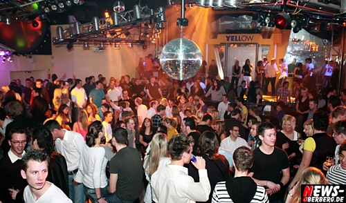 ntoi_yellow_energy_party_14.jpg