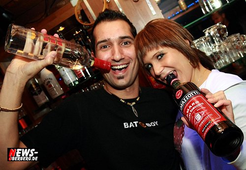 B1.NEWS-Oberberg.de: [HQ-Fotoshooting!] Bom Chicko Wahwah Party – Besser spät als nie! Gästeansturm ging erst ab 01.30 Uhr so richtig los (Freitag 30.01.2009)