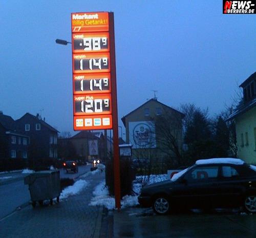 Bergneustadt: (Foto des Tages) Billig Sprit in fast ganz Deutschland. Diesel rutscht unter 1 Euro. Und es soll noch weiter runter gehen