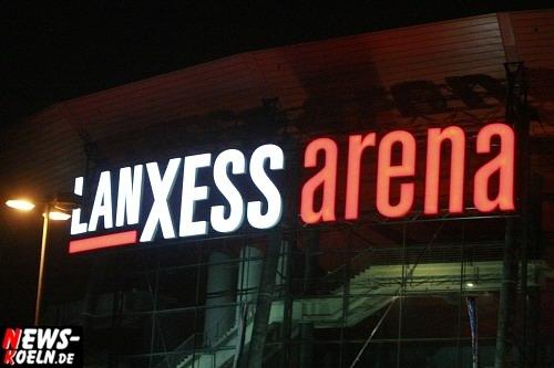 LANXESS arena Köln Logo (Schriftzug an der Arena - abends)