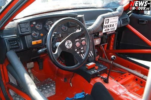 vln09_03_0069_mustang_cockpit_tourenwagen_revival.jpg