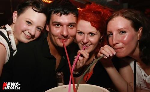 Eimersaufen wie früher am Ballermann auf der Mallorca Party im Nachtengel.