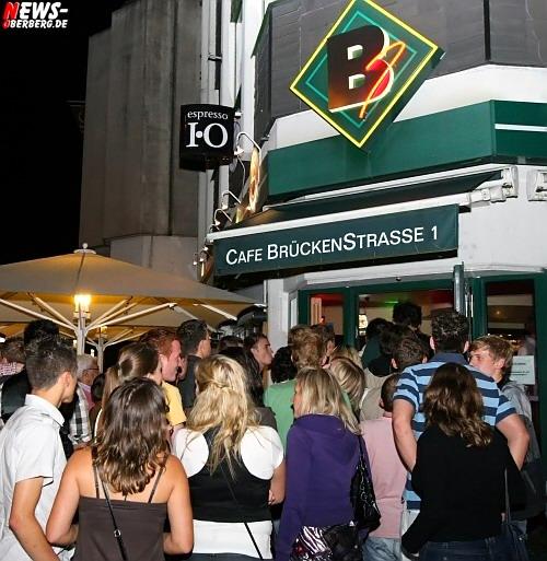 Oberbergischer Kreis: (Gummersbach) Erneut Ausnahmezustand in der City! Flotter 3er Spaß in zwei Clubs (B1 + DKDance) mit kostenlosem Partybus Shuttle ist ´absolut hip!´