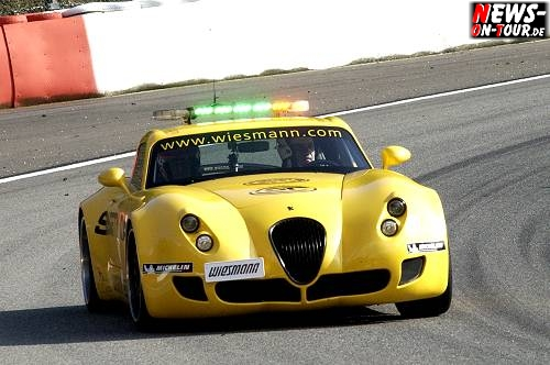 46_fiagt-2009_spa_04_1595_safety-car_wiesmann-gt.jpg