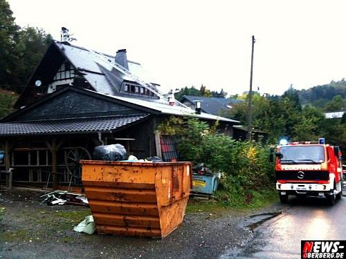 ntoi_feuerwehr-bergneustadt_dachstuhlbrand_07.jpg