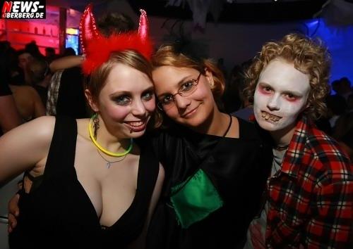 ntoi_halloween_dkdance_11.jpg