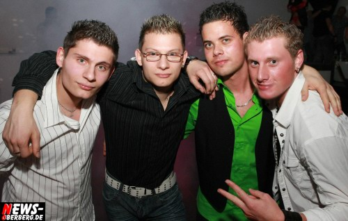 ntoi_dkdance_porn_party_07.jpg