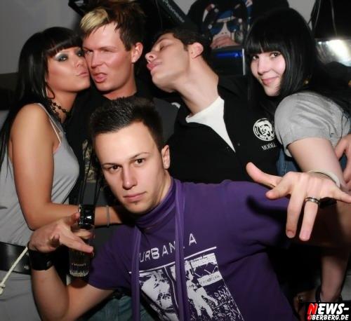 ntoi_dkdance_porn_party_10.jpg