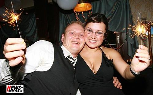 Oberbergischer Kreis (Bergneustadt): Exklusive Silvester Party im Lord Nelson! Vier Gang Menü für zwei Personen + Empfangscocktail für nur 49 Euro pro Person