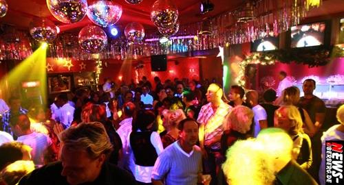 Oberbergischer Kreis (Engelskirchen / Ründeroth): Das war eine TOP Ü30 Party @Nachtengel. Volles Haus, gute Musik und mottogerechtes 1A Sahne Publikum machten den Abend zu einem Riesen Erfolg [Final Foto Update!]