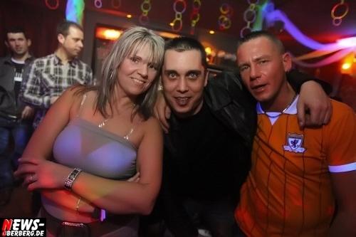 ntoi_neon-party_nachtengel_21.jpg