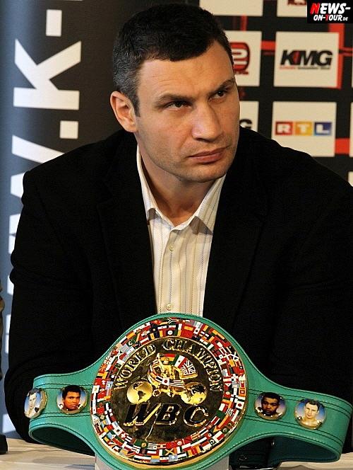 Boxen: Vitali Klitschko vs. Odlanier Solis! Wortkarge Pressekonferenz vor dem Mega-Fight. Große Betroffenheit wegen Japan-Katastrophe