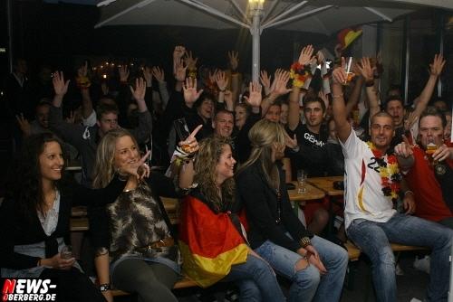 ntoi_b1_fan-emotions_deutschland_vs_australien_gummersbach_06.jpg