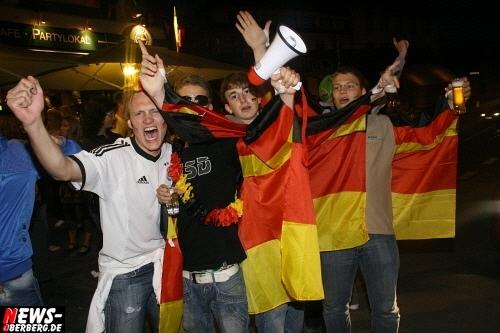 ntoi_b1_fan-emotions_deutschland_vs_australien_gummersbach_065.jpg