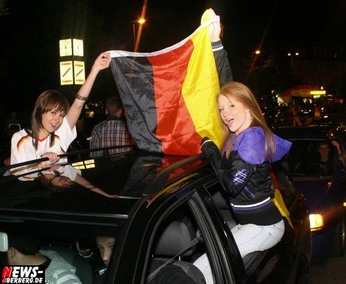 ntoi_b1_fan-emotions_deutschland_vs_australien_gummersbach_068.jpg