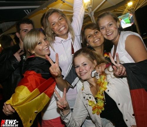 ntoi_b1_fan-emotions_deutschland_vs_australien_gummersbach_070.jpg