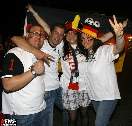 ntoi_b1_fan-emotions_deutschland_vs_australien_gummersbach_074.jpg