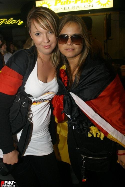 ntoi_b1_fan-emotions_deutschland_vs_australien_gummersbach_078.jpg