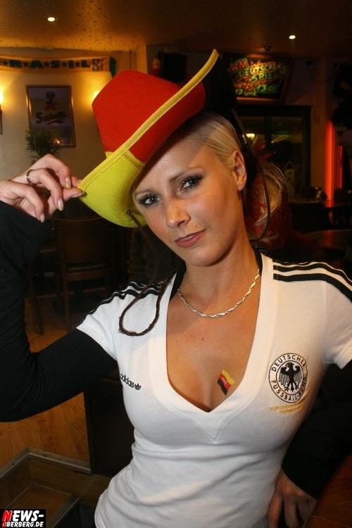 ntoi_b1_fan-emotions_deutschland_vs_australien_gummersbach_108.jpg