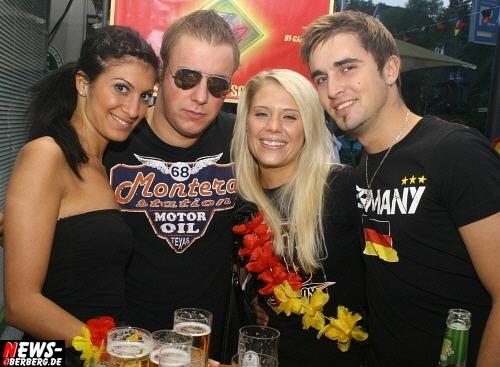 ntoi_b1_fan-emotions_deutschland_vs_australien_gummersbach_17.jpg