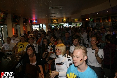 ntoi_b1_fan-emotions_deutschland_vs_australien_gummersbach_24.jpg