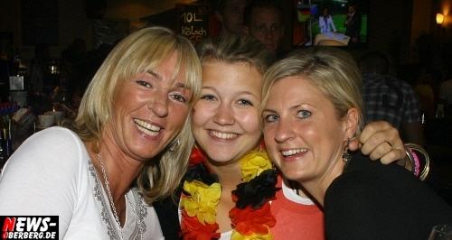 ntoi_b1_fan-emotions_deutschland_vs_australien_gummersbach_25.jpg