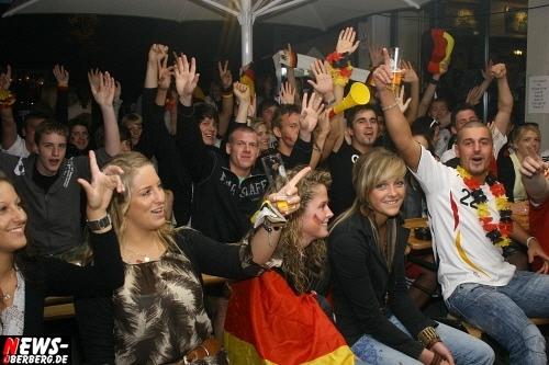 ntoi_b1_fan-emotions_deutschland_vs_australien_gummersbach_45.jpg