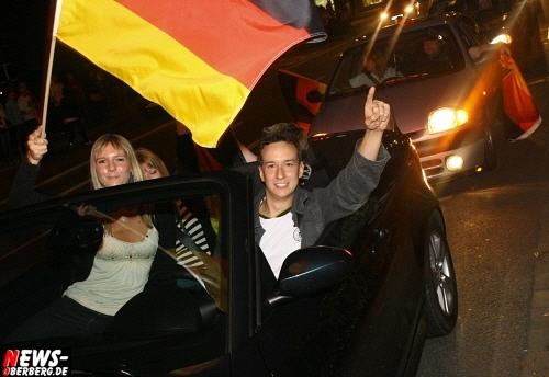 ntoi_b1_fan-emotions_deutschland_vs_australien_gummersbach_64.jpg