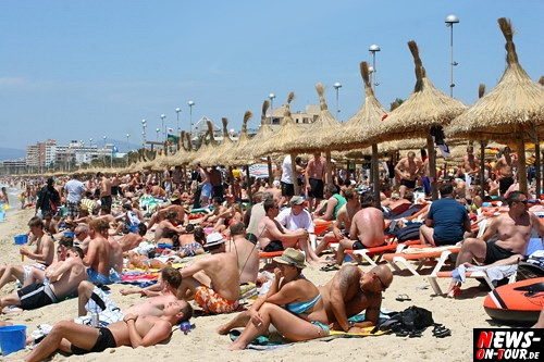 Urlaubs-Hitliste: Deutsche fliegen im Sommer am liebsten nach Mallorca und in die Türkei. Erstmals Bulgarien unter den TOP 4! Der Ballermann am Balkan hat im Vergleich zum Vorjahr um mehr als 2 Prozent zugelegt