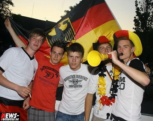 ntoi_b1_gummersbach_fifa_fussball_wm_public-viewing_ger-ghana_01.jpg