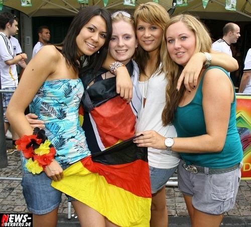 ntoi_b1_deutschland_argentinien_public-viewing_b1_gummersbach_01_07.jpg