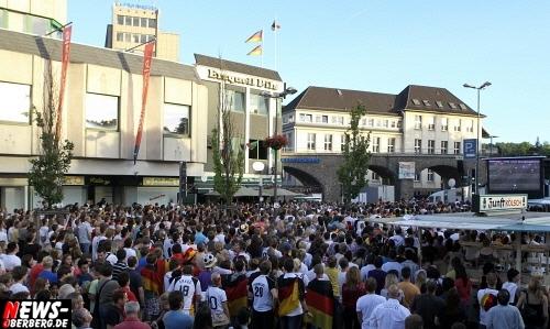 ntoi_gummersbach_public-viewing_brueckenstrasse_ger_esp_03.jpg