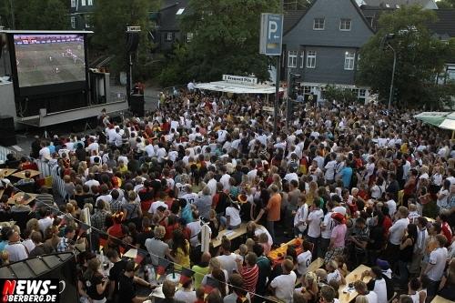 ntoi_gummersbach_public-viewing_brueckenstrasse_ger_esp_05.jpg