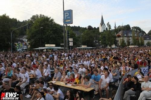 ntoi_gummersbach_public-viewing_brueckenstrasse_ger_esp_07.jpg