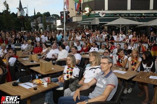ntoi_gummersbach_public-viewing_brueckenstrasse_ger_esp_15.jpg