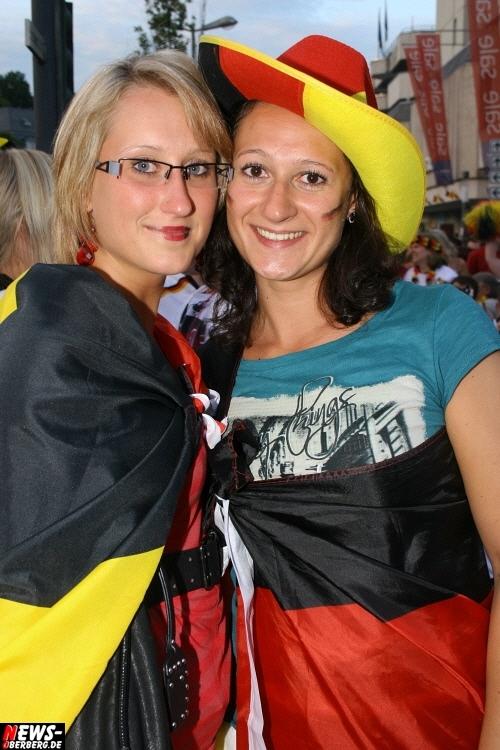 ntoi_gummersbach_public-viewing_brueckenstrasse_ger_esp_17.jpg