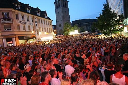 Oberbergischer Kreis (Gummersbach): Manfred Mann´s Earth Band rockte vor 7.000 Zuschauern beim 10. Lindenplatz Open-Air