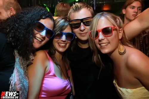 Oberbergischer Kreis (Engelskirchen): Hey, das ging ab! Partygäste feierten am Samstag 24.07.2010 die ganze Nacht zur Mallorca Party im Nachtengel