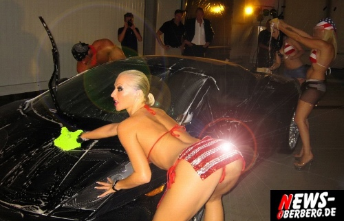 ntoi_sexy-american_carwash_gogos_waschstrasse_gummersbach_01.jpg
