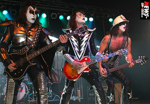 ntoi_mk-total_giants-of_rock_02_kiss_forever_band.jpg