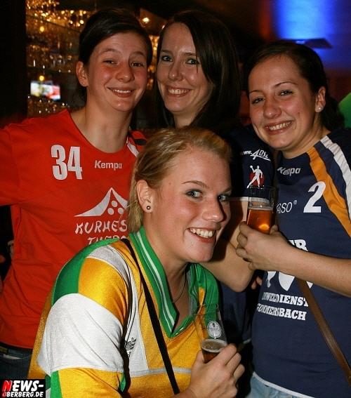 ntoi_b1_handballer-party_03.jpg