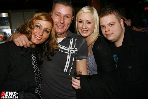 ntoi_b1_handballer-party_06.jpg