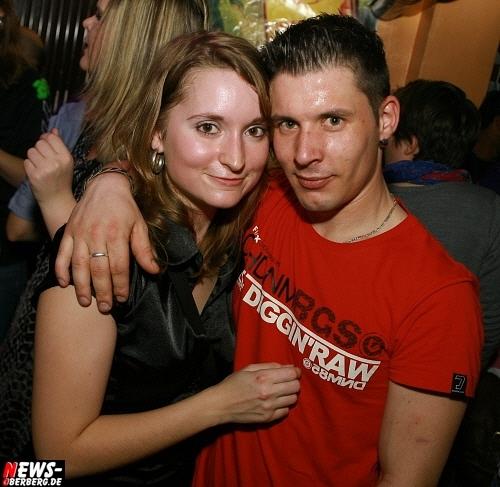 ntoi_b1_handballer-party_09.jpg