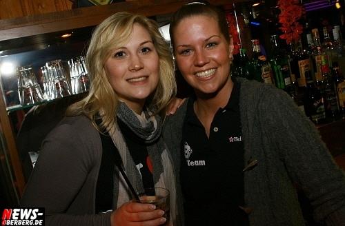 ntoi_b1_handballer-party_10.jpg