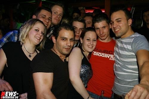 ntoi_b1_handballer-party_13.jpg