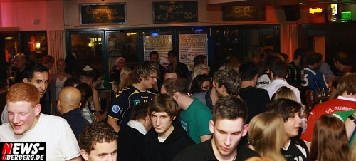 ntoi_b1_handballer-party_15.jpg