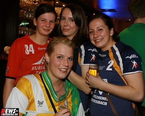 ntoi_b1_handballer-party_18.jpg